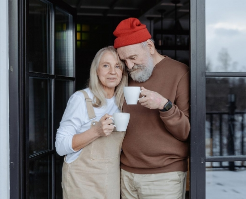 image of happy couple in manufactured home